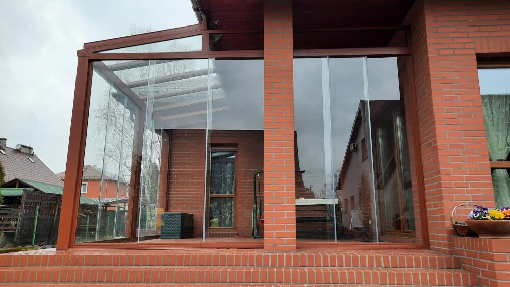 Nowoczesne przesuwne ściany ze szkła + profili aluminiowych